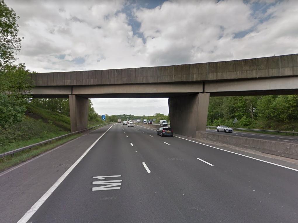 Police seek driver who witnessed fatal M1 crash