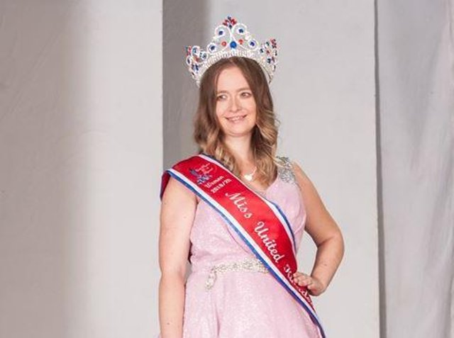 A Heckmondwike beauty queen is to give a speech at national diversity awards after being nominated as a positive role model