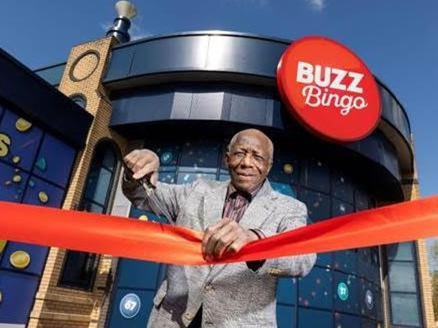 To really celebrate the opportunity to reunite with friends and meet new people again, Buzz Bingo is offering a free tea or coffee and a sausage or bacon breakfast roll between 10am-11am in all its clubs on Monday.