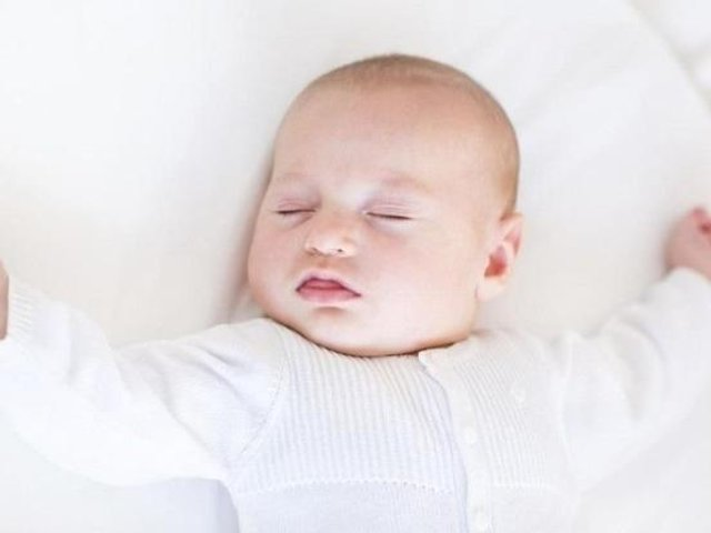 Parents are being reminded to take care when trying to keep their babies in the shade from the hot sun as it could lead to them overheating...or even death.