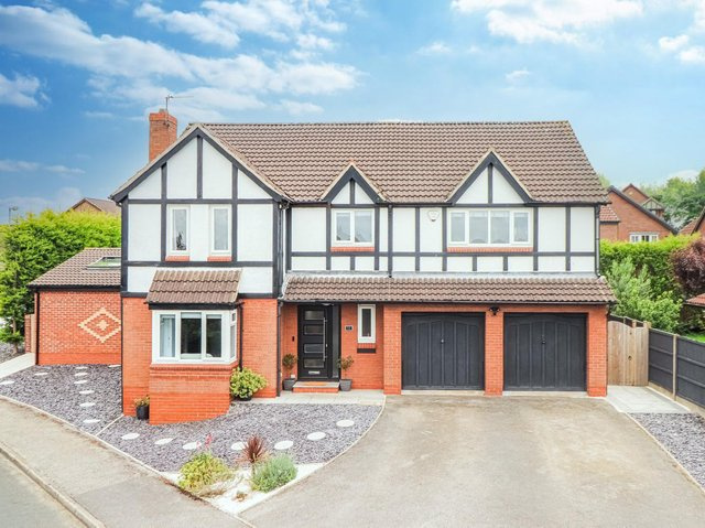 The property for sale on Lakeland Way, Walton, Wakefield
