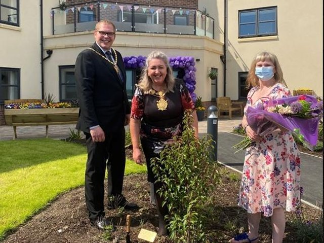 NHS ambulance worker and Mayor of Wakefield, Tracey Austin, paid a special visit to Wakefield's newest luxury care home, Hepworth House, to mark the homes upcoming launch next month.