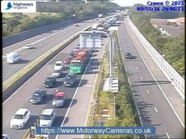 Traffic on the M1 at J39.